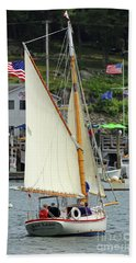 Sailing In The Usa Beach Towel