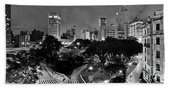Sao Paulo Downtown At Night In Black And White - Correio Square Beach Towel