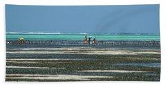 Seaweed Colectors Beach Towel