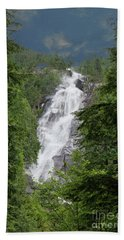 Beach Towel featuring the photograph Shannon Falls by Rod Wiens