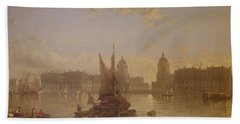 Shipping On The Thames At Greenwich Beach Towel