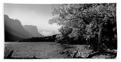 Shoreline Black And White Beach Towel