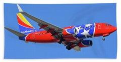Southwest 737-7h4 N922wn Tennessee One Phoenix Sky Harbor November 28 2017 Beach Towel