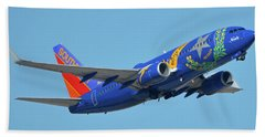 Southwest Boeing 737-7h4 N727sw Nevada One Phoenix Sky Harbor October 14 2017 Beach Towel