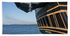 Ssv Oliver Hazard Perry Close Up Beach Towel