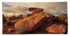 Standing Rocks In Canyonlands Beach Sheet by Alan Vance Ley
