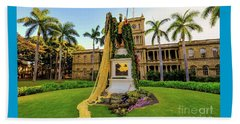 Beach Towel featuring the photograph Statue Of, King Kamehameha The Great by D Davila