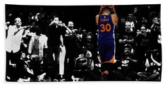 Beach Sheet featuring the mixed media Stephen Curry 4f by Brian Reaves