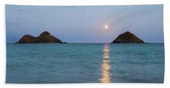 Stunning Hawaii Moonrise Beach Towel