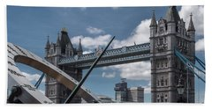 Sun Clock With Tower Bridge Beach Sheet
