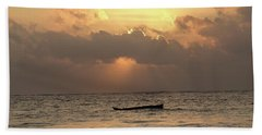 Sun Rays On The Water With Wooden Dhows Beach Towel
