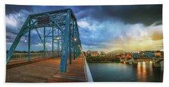 Sunlight Thru Rain Over Chattanooga Beach Sheet by Steven Llorca