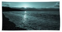 Sunrise In Stonehaven B-w Beach Towel