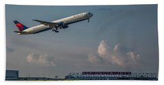 Sunset Glow Delta Airlines Jet N839mh Hartsfield Jackson International Airport Art Beach Towel