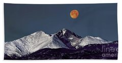 Supermoon Lunar Eclipse Over Longs Peak Beach Towel