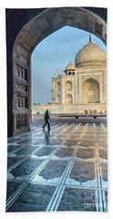 Taj Mahal 01 Beach Towel