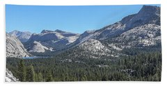 Tenaya Lake And Surrounding Mountains Yosemite National Park Beach Towel