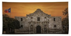 The Alamo Mission In San Antonio Beach Sheet by Randall Nyhof