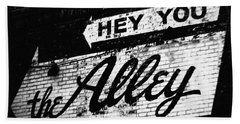 Beach Towel featuring the photograph The Alley Chicago by Kyle Hanson