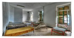 The Bedrooms Of The Former Summer Vacation Building - Le Camerate Dell'ex Colonia Marina Beach Sheet