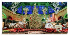 The Bellagio Christmas Tree 2017 2.5 To 1 Ratio Beach Towel