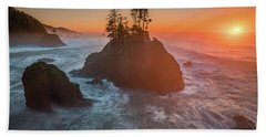 Beach Towel featuring the photograph The Golden Sunset Of Oregon Coast by William Lee