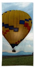 The Impressionable Balloon Beach Sheet by Glenn McCarthy Art and Photography