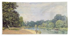 The Thames With Hampton Church Beach Towel by Alfred Sisley