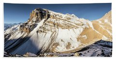 Thorung La Pass In The Annapurna Range In The Himalayas In Nepal Beach Sheet
