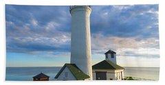 Tibbetts Point Lighthouse In June Beach Sheet