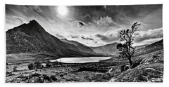 Tryfan And Llyn Ogwen Beach Towel