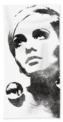 Twiggy Bw Portrait Beach Towel
