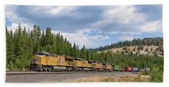 Up2650 Westbound From Donner Pass Beach Towel