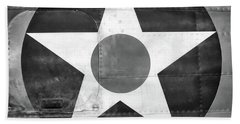 Us Roundel, In Black And White - 2017 Christopher Buff, Www.aviationbuff.com Beach Towel