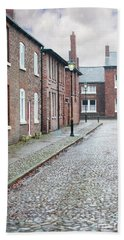 Victorian Terraced Street Of Working Class Red Brick Houses Beach Sheet