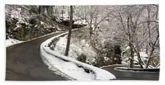 W Road In Winter Beach Towel