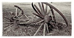 Wagon Wheels Monotone Beach Sheet