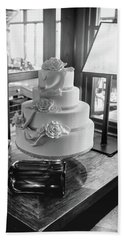 Wedding Cake Bw Series 0956 Beach Sheet