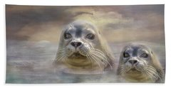 Wet And Wild Beach Towel by Wallaroo Images