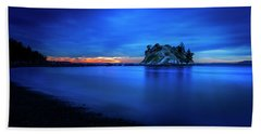 Beach Towel featuring the photograph Whytecliff Sunset by John Poon