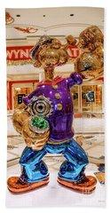 Wynn Popeye Statue By Jeff Koons Beach Sheet