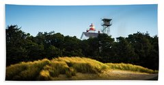 Beach Towel featuring the photograph Yaquina Bay Light by Duncan Selby