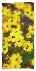 Yellow Daisy Rudbeckia Hirta 001 Beach Towel