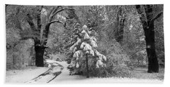 Yosemite Valley Winter Trail Beach Towel by Underwood Archives