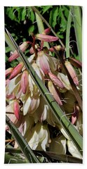 Yucca Bloom I Beach Sheet