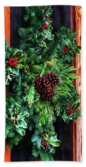 Beach Towel featuring the photograph Christmas Wreath 20474 by Jerry Sodorff