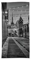 Bw City Lights Beach Towel