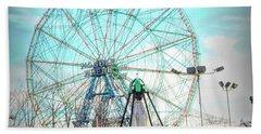 Coney Island Wonder Wheel Ny Beach Sheet