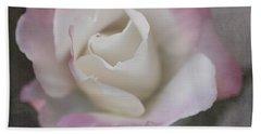 Creamy White Center By Tl Wilson Photography Beach Sheet