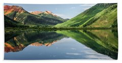 Crystal Lake Red Mountain Reflection Beach Towel